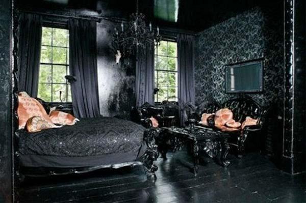 Gothic-Bedroom-Decoration